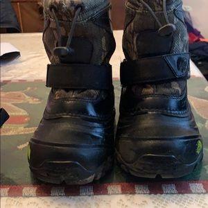North face camo winter boots